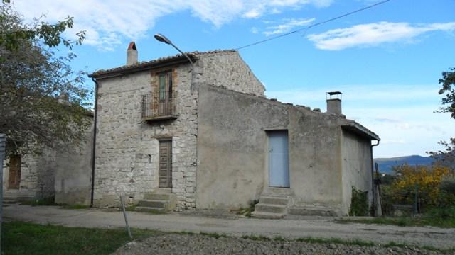 Property for sale in Toricella Peligna, Chieti Province