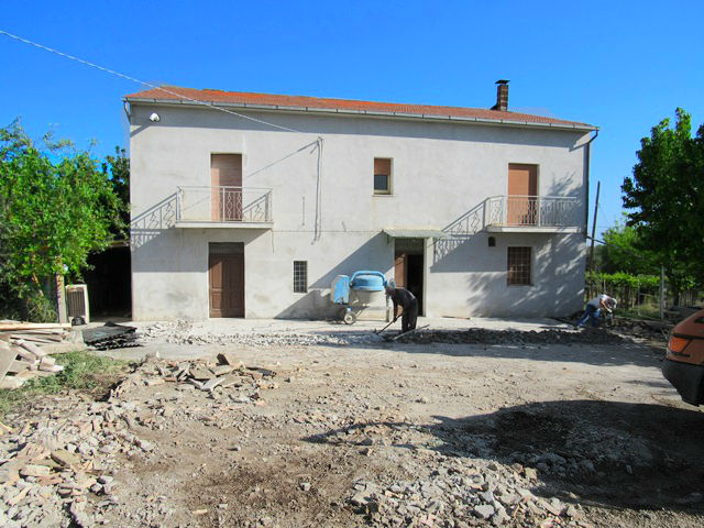Renovating and restructuring property in Abruzzo
